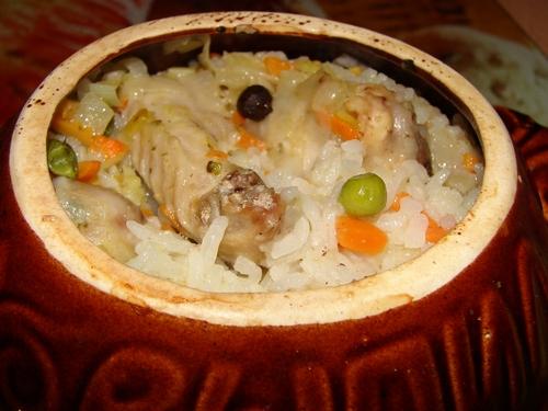 Ингредиенты для приготовления риса с курицей в горшочке