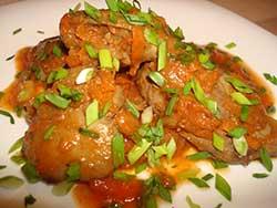 Печень куриная с овощами в томатном соусе
