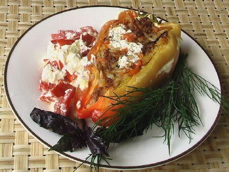 Перец фаршированный мясом в духовке