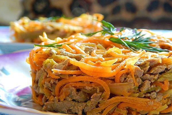 Салат из говяжьей печени с пикантной морковкой
