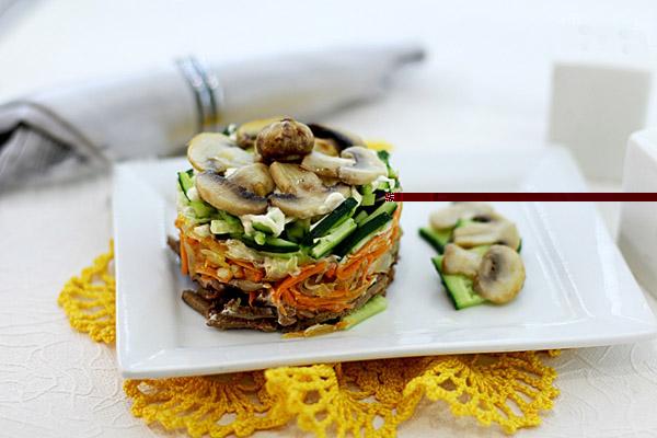 Слоеный салат с печенью из говядины