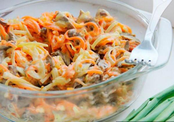 Салат из печени говядины с луком