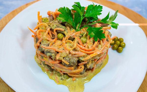Салатик из печени говяжьей и помидор
