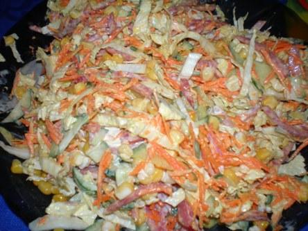 Салат с пекинской капустой и колбасой салями рецепт с фото