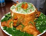 Салат – рулет Пенек с маринованными грибами рецепт с фото